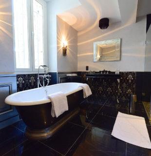 Luxueuse salle de bain de la Suite de l'architecte Riquet @B&B Château de Paraza
