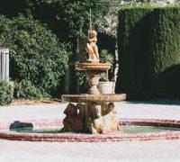 La fontaine de la cour du Château de Paraza