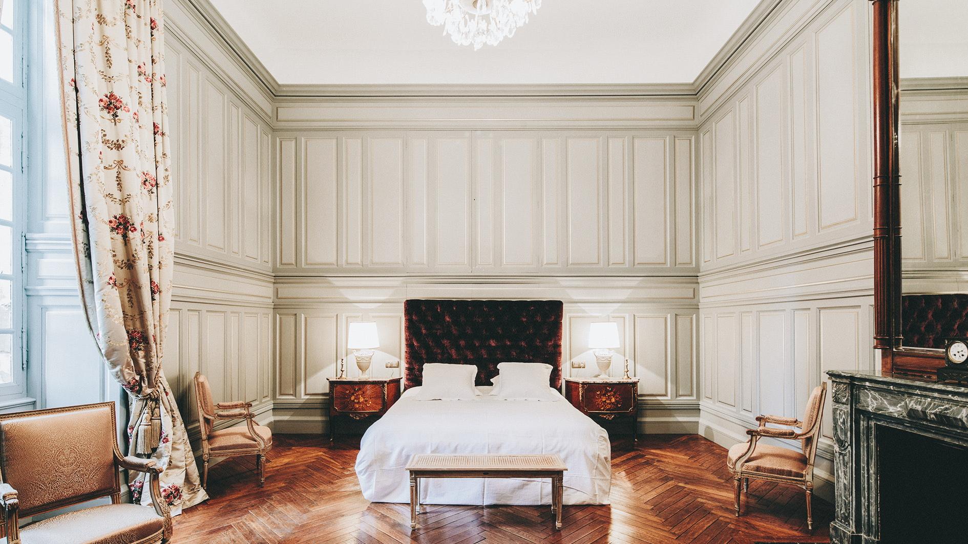 Suite-de-Riquet-Chateau-de-Paraza-_-slide